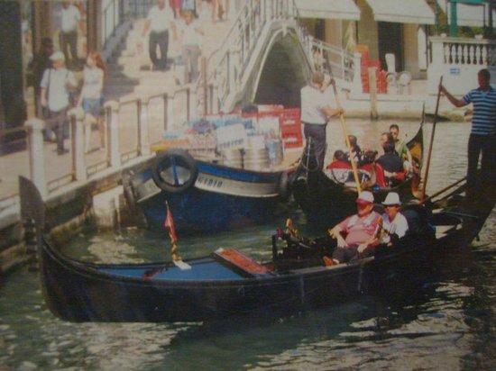 Canal Grande: Un Paseo en Góndola