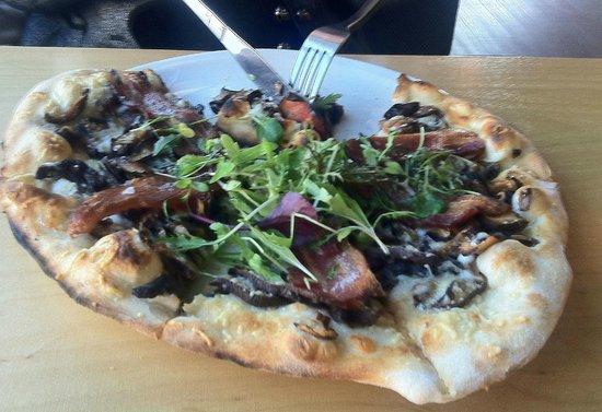 Morris East Mushroom/Bacon Pizza