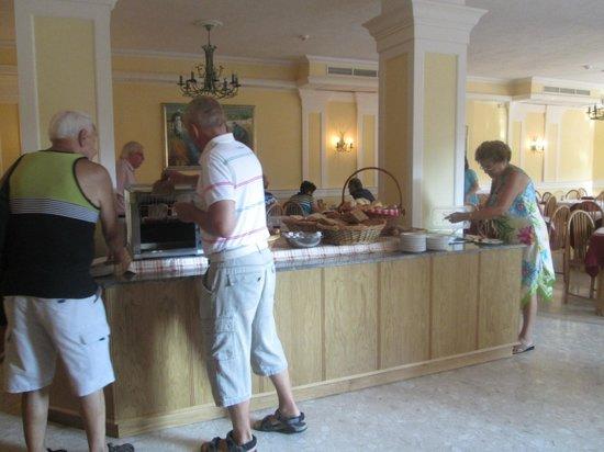 Il Palazzin Hotel: Breakfast dining area