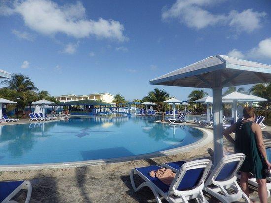 Hotel Playa Coco: LA PISCINE EST SPLENDIDE