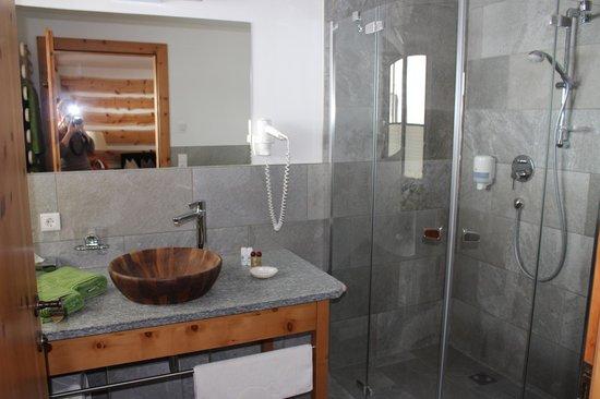 Hotel Tuxertal: salle de bain