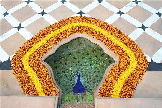The Oberoi Rajvilas: Flower Petals for Peacock