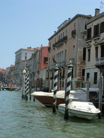 Canal Grande: Scene on Grand Canal
