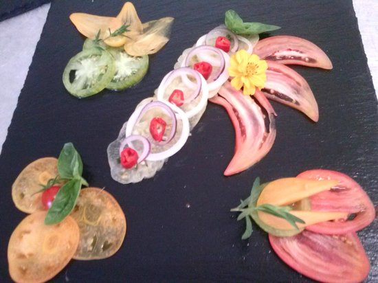 Lo Gorissado Cooking Classes: sélection de tomates cultivées dans le jardin du chef