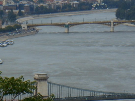 The Aquincum Hotel Budapest : A view of the Danube