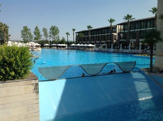 Hotel Nikopolis Thessaloniki: outside pool, last june