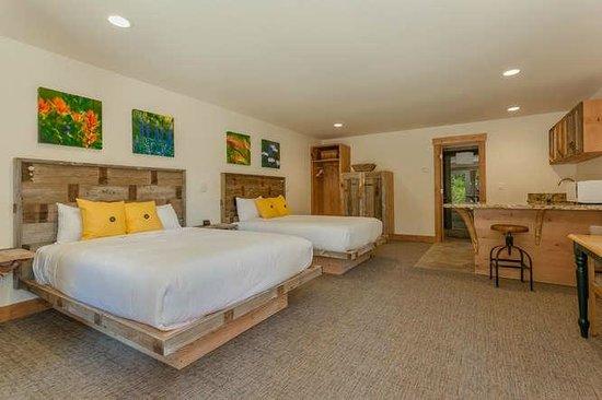 Tahoe Vistana Inn : Deluxe double queen kitchenette