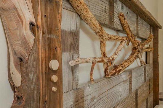 Tahoe Vistana Inn : Custom decor exclusively in the Squirrel House