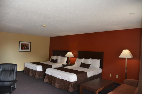 McMinnville Inn: Double Queen Room