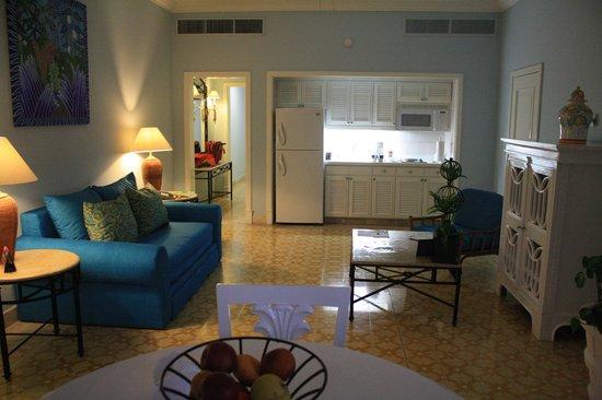 Pueblo Bonito Emerald Bay: Living area of the master suite