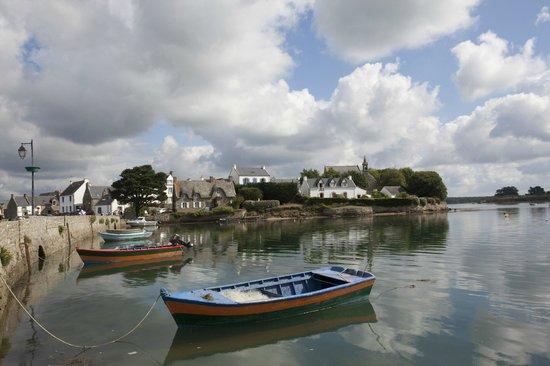 Ile de St. Cado, France: L'ile de st cado depuis le sentier cotier