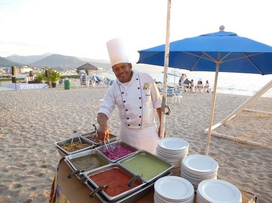 Friendly Vallarta All Inclusive Family Resort: Beach Setup