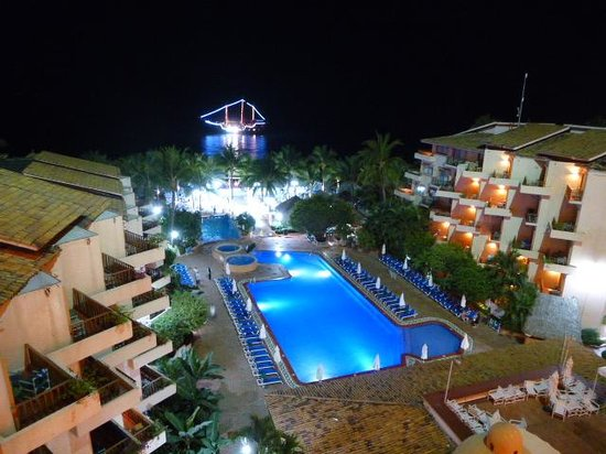 Friendly Vallarta All Inclusive Family Resort: Pirate Ship On Party Night