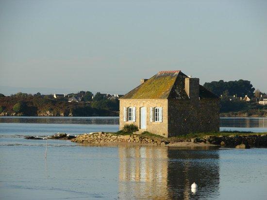 Ile de St. Cado, France: st cado, l'ilot de Nichtarguer et la petite maison