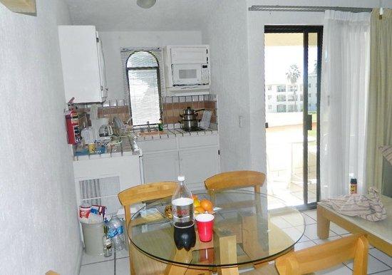 Park Royal Los Cabos: Kitchen