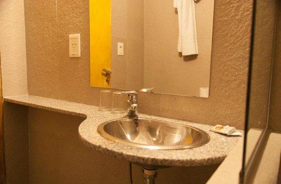 Hotel Premier: baño