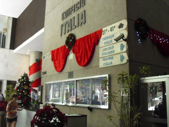 Italian Building: Hall de entrada