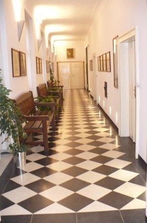 Hotel Monastery: Corredor interno no 2o. piso (quartos)