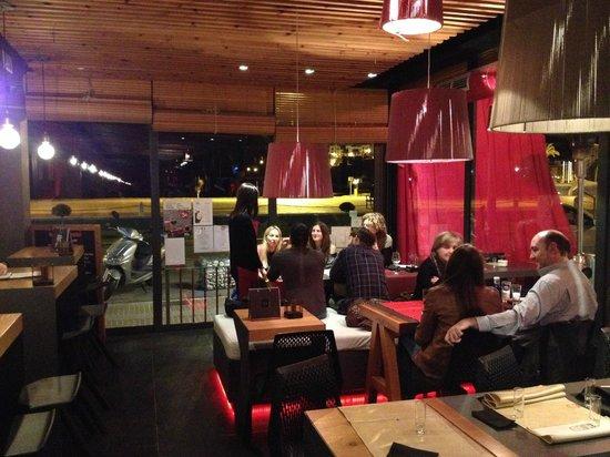 Rojo Picota: Sala comedor