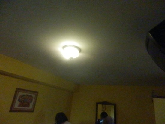 Apart Hotel Libertador: Iluminación deficiente