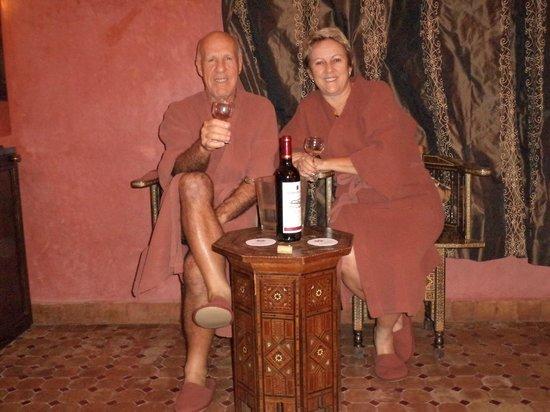 Angsana Riads Collection Morocco - Riad Blanc: Um espumante de boas vindas oferecido pelo hotel.