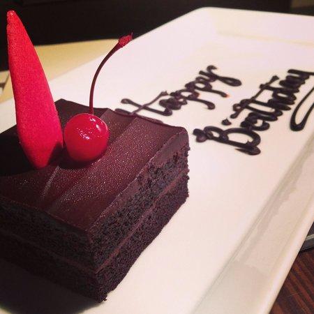 Acacia Hotel Manila: birthday cake from the hotel..:)