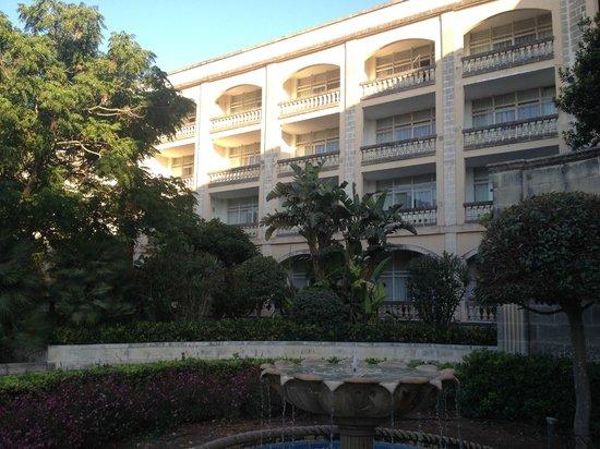 Corinthia Palace Hotel & Spa : Facciata hotel