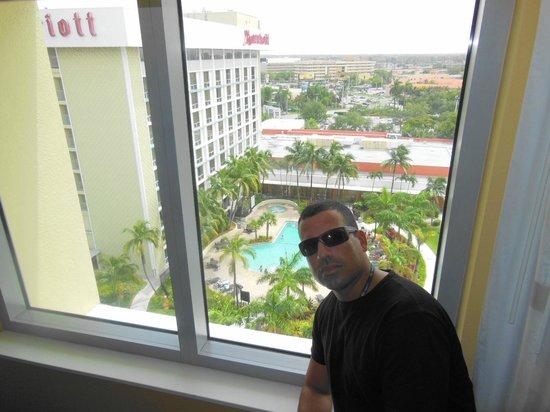 Courtyard Miami Airport: Quarto