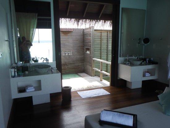 Anantara Kihavah Maldives Villas: Ducha al aire libre