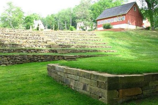 Clary Gardens: Outdoor ampitheater