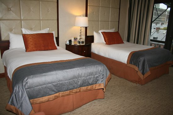 The Bostonian Boston: 2 Queen beds