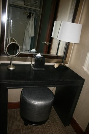 Bostonian Boston: Vanity area