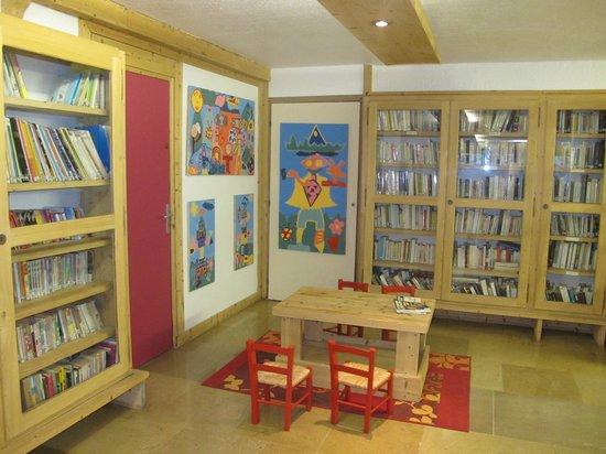 Maeva Résidence Le Mont d'Arbois : Kącik dla dzieci i biblioteczka