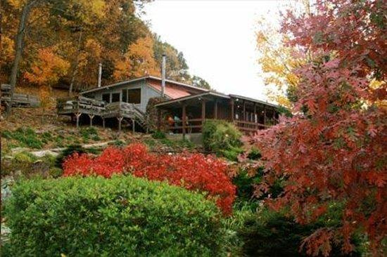 Three Rivers Wine Trail: Rainbow Hills Winery