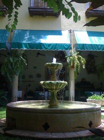 El Meson del Marques: The courtyard