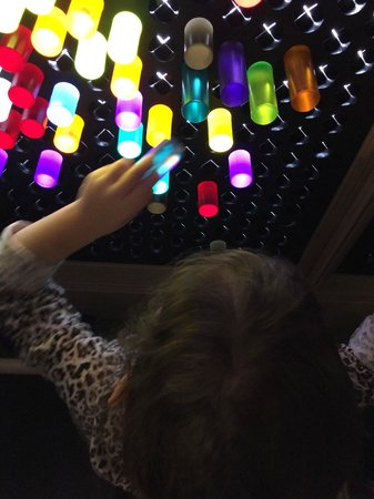 Thinkery: Light room