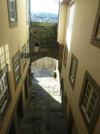 Pestana Vintage Porto: Passage between the two buildings of the hotel