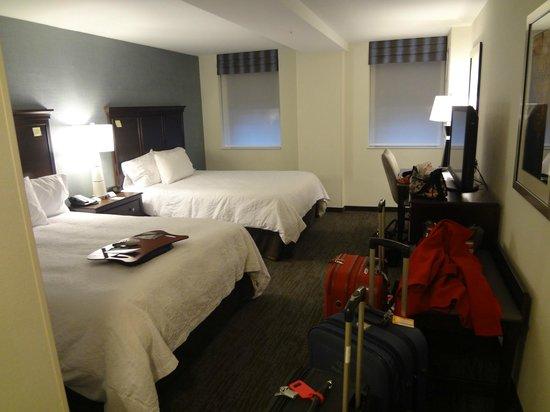 Hampton Inn Washington, D.C./White House : big and clean room
