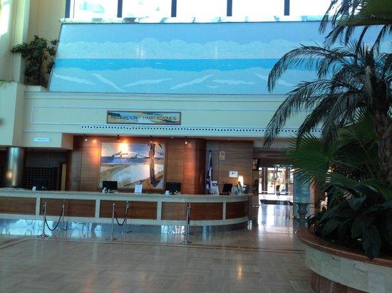 Hotel & Spa Peniscola Plaza Suites: Recepción