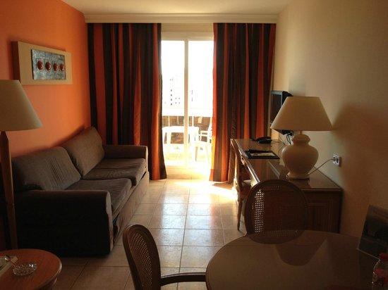 Hotel & Spa Peniscola Plaza Suites: Salon habitación
