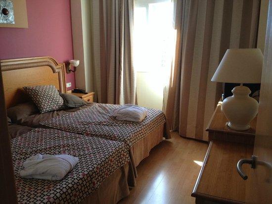 Hotel & Spa Peniscola Plaza Suites: Habitación
