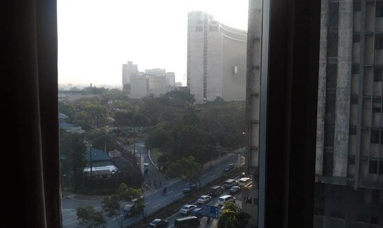 Crowne Plaza Manila Galleria: another view from the room on the 6th floor