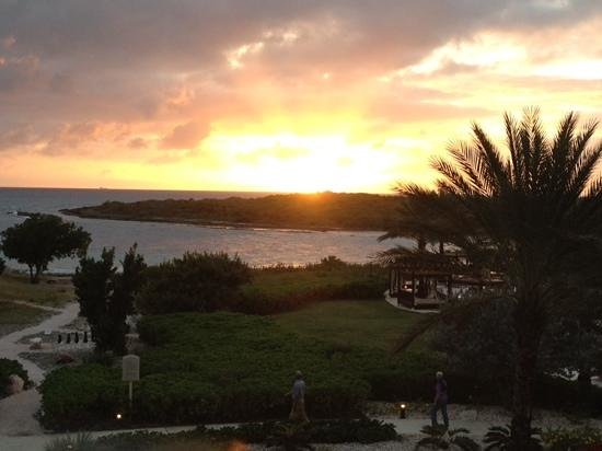 Santa Barbara Beach & Golf Resort, Curacao: Sunset view from balcony.