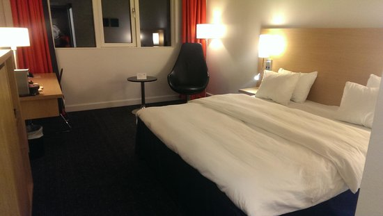 Park Inn by Radisson Oslo: our room