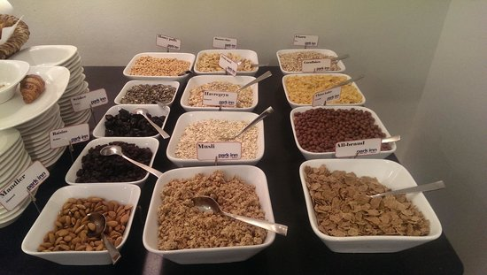 Park Inn by Radisson Oslo: cereal spread the hotel