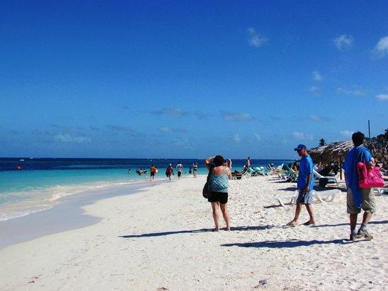 Guardalavaca Beach: Beach
