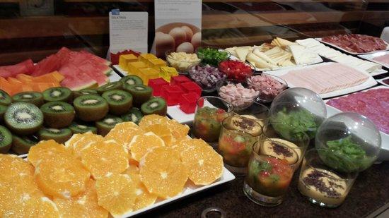 NH Tenerife: Breakfast selection