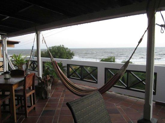 Posada del Mar: Upper floor dining/balcony