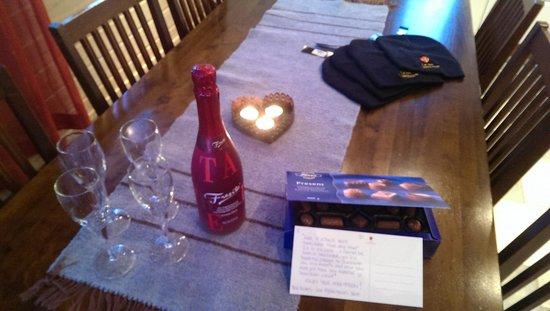 Levi Alpine Chalets: sparking wine for honeymoon