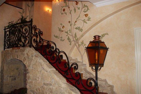 Alchymist Grand Hotel & Spa: Лестница ,ведущая в номер